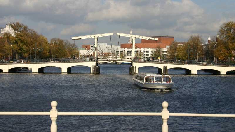 Los canales de Amsterdam. Foto de: ONT Holanda