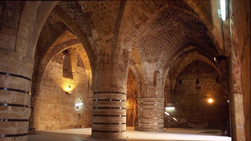 Interior de la fortaleza. Foto de: ONTI