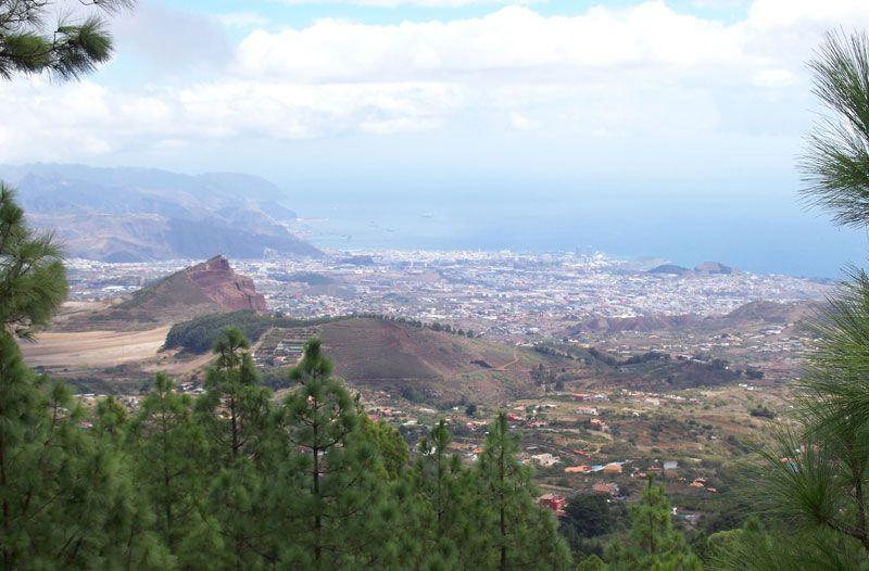 Vista de Santa Cruz de Tenerife en el ascenso al Teide | Foto: David Fernández