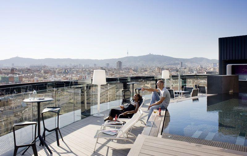 Barceló vende su hotel de Hamburgo y el del Raval