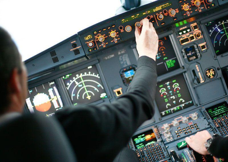 Cabina de mando de un avión de Easyjet | Foto: Easyjet