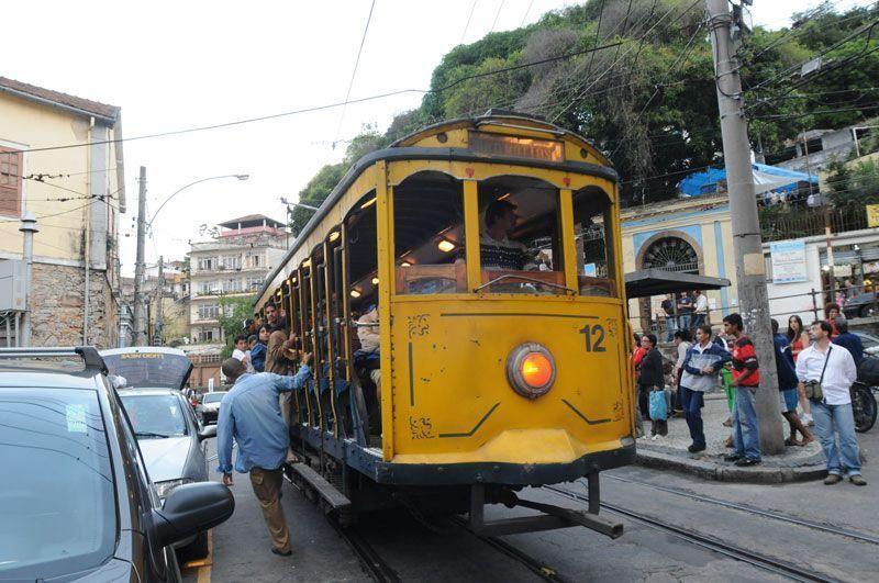 Tranvía en el barrio de Santa Teresa | Foto: Ricardo Labastier