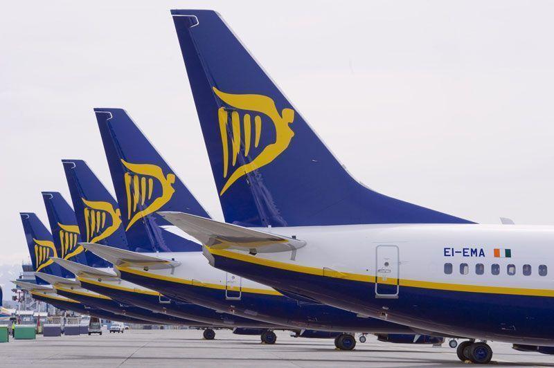 Colas de varios aviones de Ryanair | Fuente: Ryanair