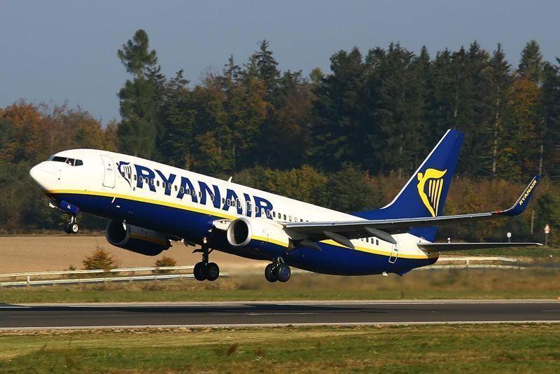 Avión de Ryanair despegando | Fuente: Ryanair