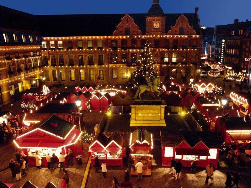 Mercadillo en el Ayuntamiento de Düsseldorf | Foto: Turismo de Düsseldorf