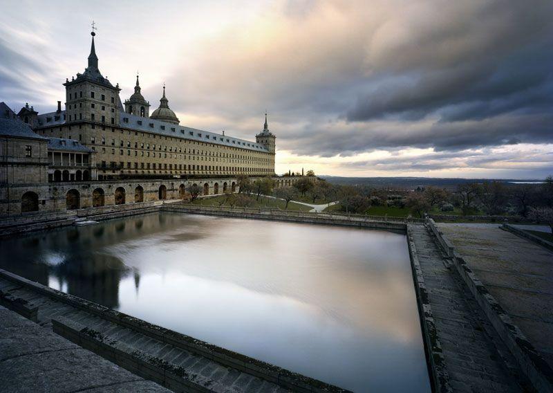 El Monasterio de San Lorenzo de El Escorial, visto en un atardecer | Foto: Turismo de Madrid