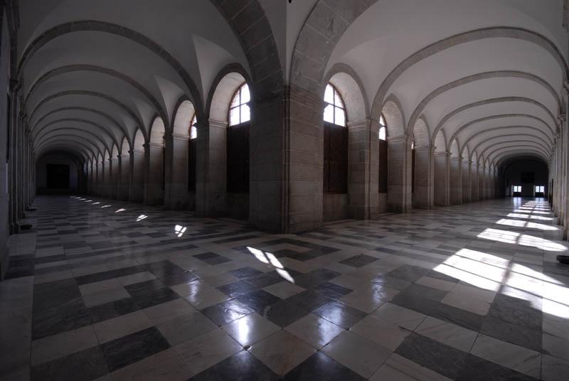 Pasillos del Monasterio de San Lorenzo de El Escorial | Foto: Paloma Gil