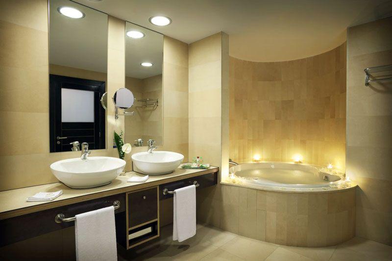 Baño de la suite del hotel Roca Nivaria, en Tenerife | Foto: Hotel Roca Nivaria