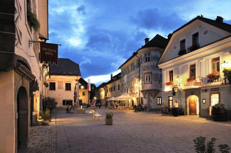 Noche en las calles de Bled | Foto: Turismo de Bled