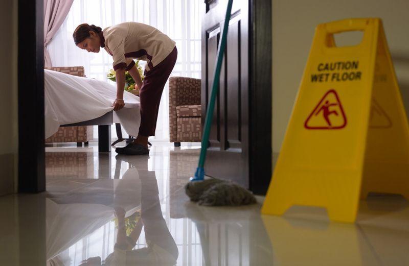 Limpieza de una habitación de hotel | Foto: Shutterstock