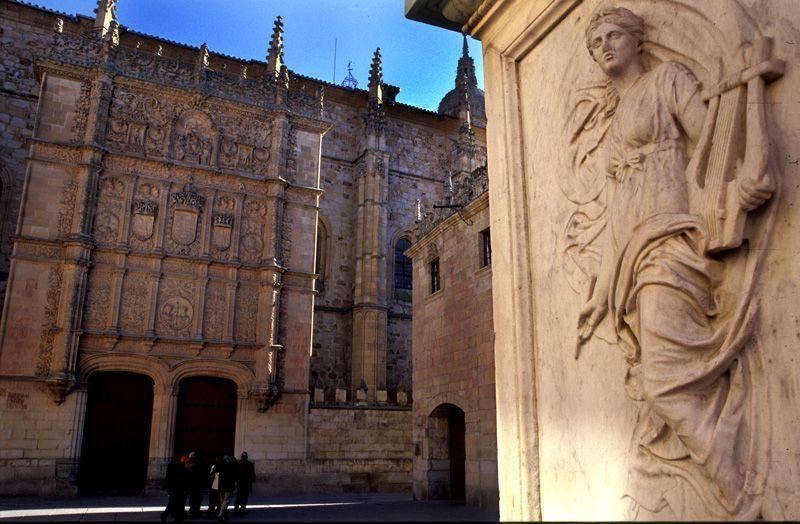 Portada de la Universidad de Salamanca   Foto: Salamanca Turismo