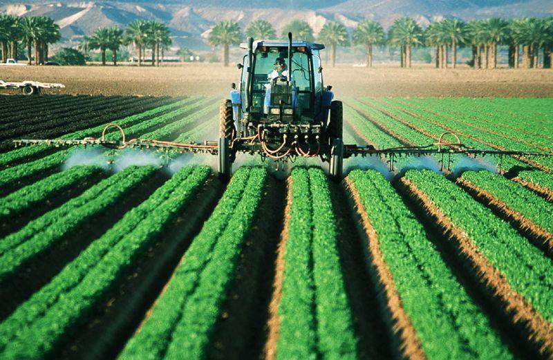 Tractor en el campo | Foto: Skeeze para Pixabay