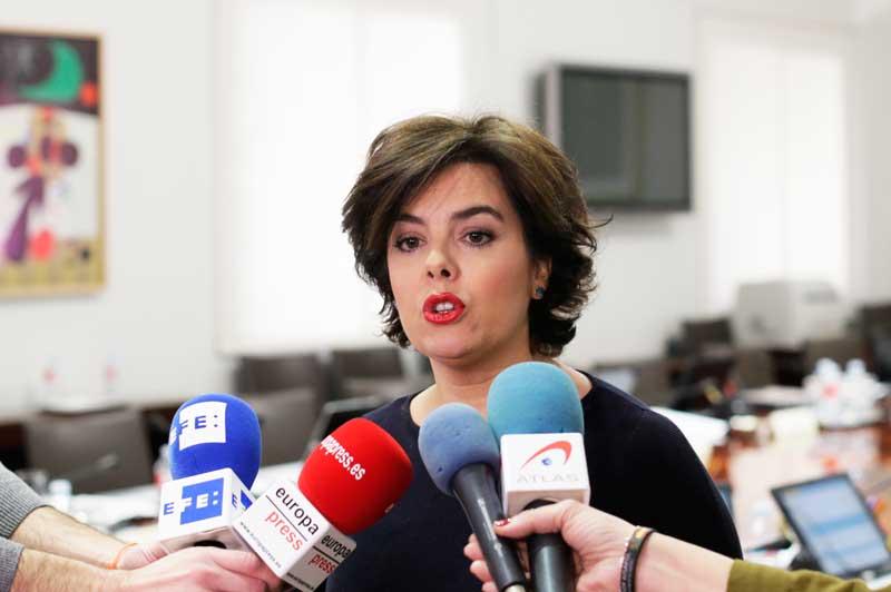 Soraya Sáenz de Santamaría, vicepresidenta del Gobierno, se dirige a los medios | Foto: La Moncloa