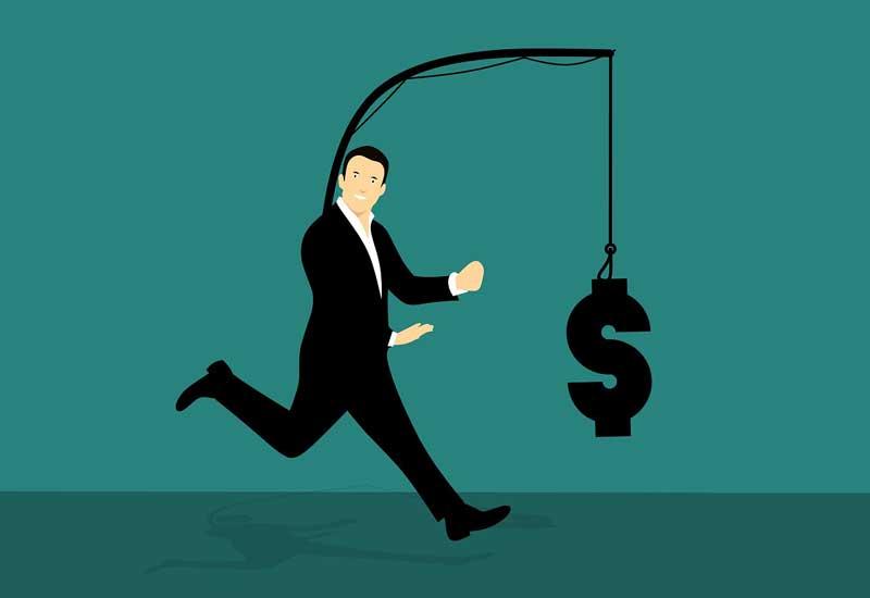 Persiguiendo dinero o un trato | Foto: Pixabay