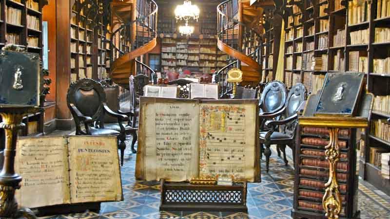 Biblioteca del convento. Foto de: HERNANDO REYES