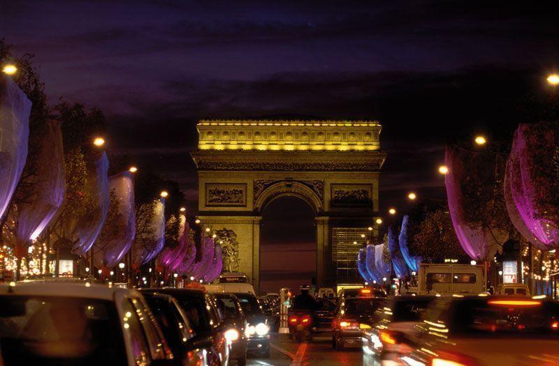 Campos Elíseos y Arco del Triunfo | Foto: París Turismo