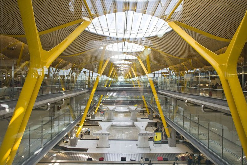 Zona de equipajes de la Terminal 4 del Aeropuerto de Madrid-Barajas | Foto: Madrid Visitors and Convention Bureau