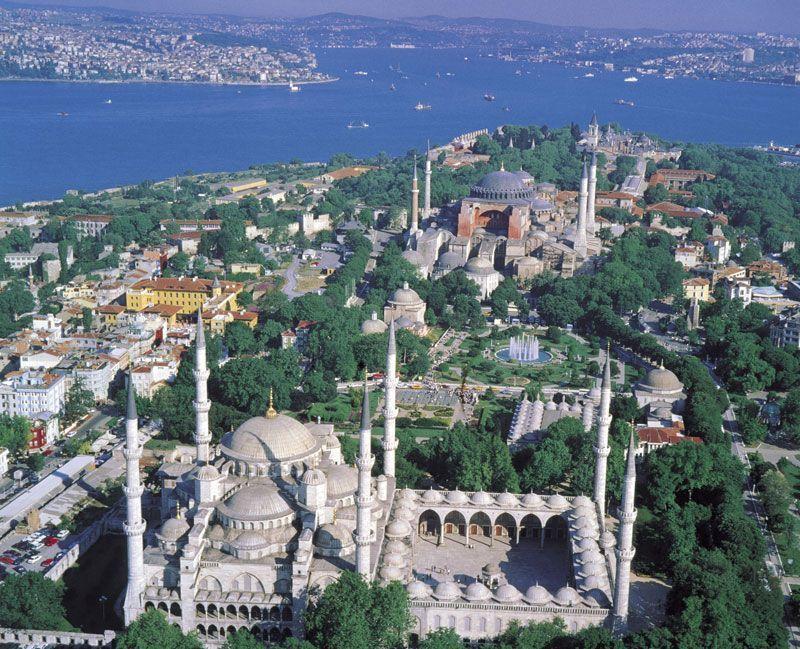 Vista aérea de la Basílica de Santa Sofía en Estambul | Foto: Oficina Nacional de Turismo de Turquía