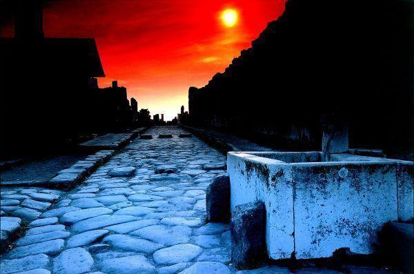 Atardecer en Pompeya   Foto: De Agostini para Turismo de Italia
