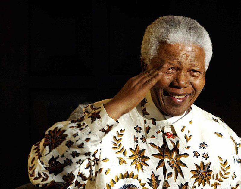 Nelson Mandela, expresidente de Sudáfrica, se despide