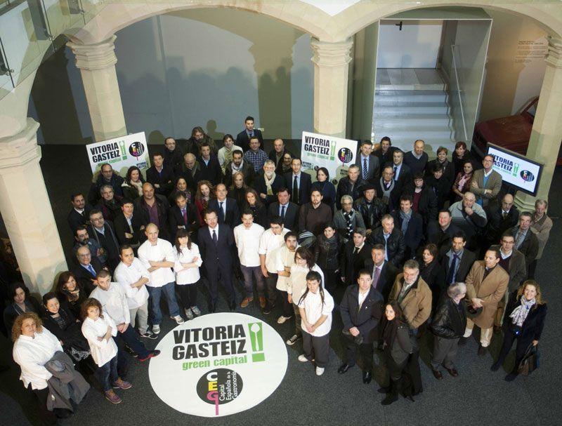 Integrantes de la candidatrua de Vitoria como capital de la gastronomía española