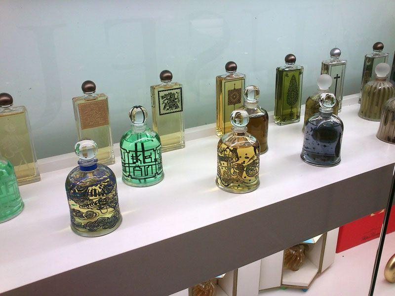 Más frascos de diseños originales para esencias y perfumes diferentes | Foto: David Fernández