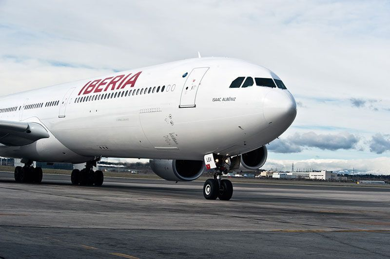Avión A340-600 de Iberia con la nueva marca | Foto: Iberia