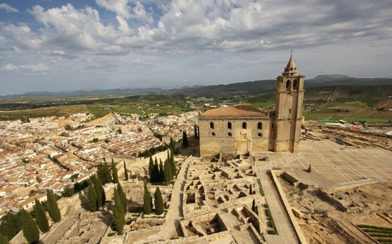 Vista aérea de la Fortaleza de la Mota, en Alcalá la Real | Foto: Caminos de Pasión