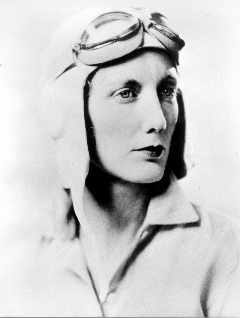 Beryl Markham vestida de piloto