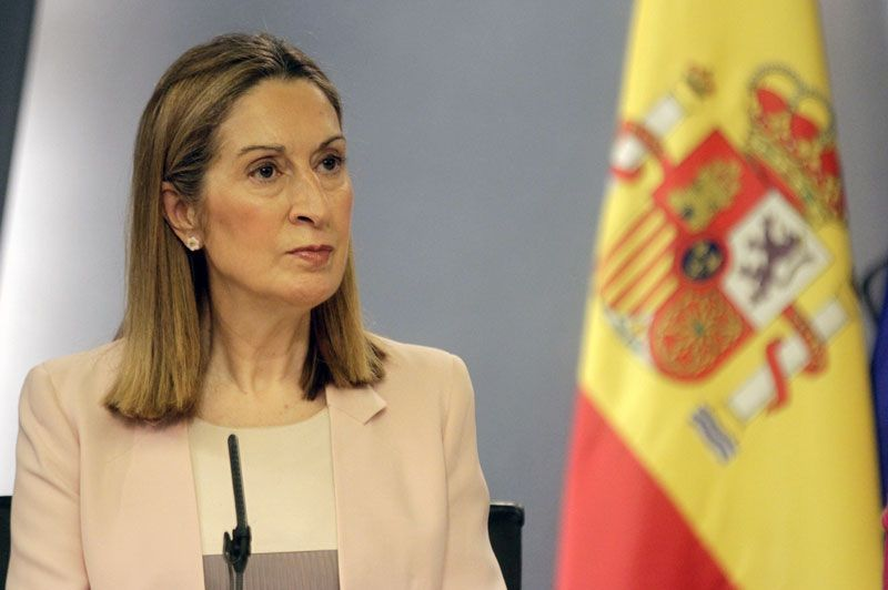 Ana Pastor, ministra de Fomento, tras un Consejo de Ministros   Foto: La Moncloa