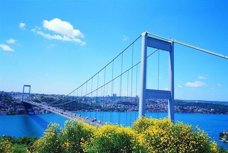 Puente sobre el estrecho del Bósforo | Foto: Turismo de Turquía