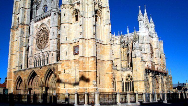 Fachada de la catedral de León | Foto: David Fernández