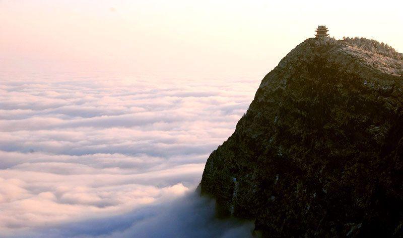Monte Emei, en la prefectura de Emeishan, en la región china de Sichuán | Foto: Sichuan Turismo