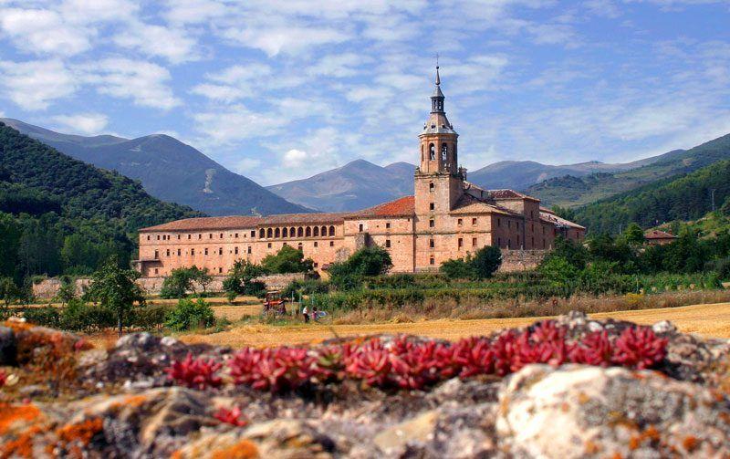 Vista del Monasterio de Yuso en San Millán de la Cogolla | Foto: Turismo de la Rioja
