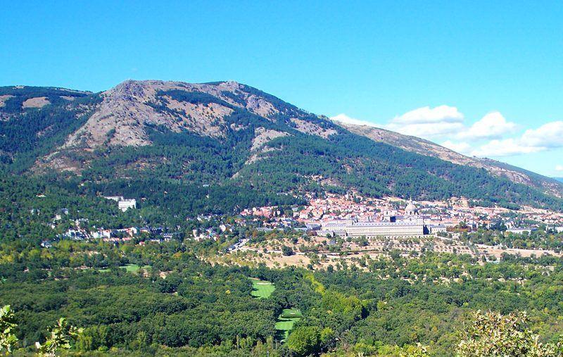 San Lorenzo de El Escorial visto desde la Silla de Felipe II