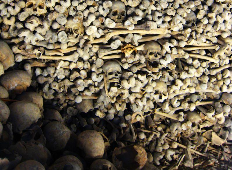 El osario de la iglesia de Wamba albergó más de 10.000 enterramientos | Foto: Beatriz de Lucas