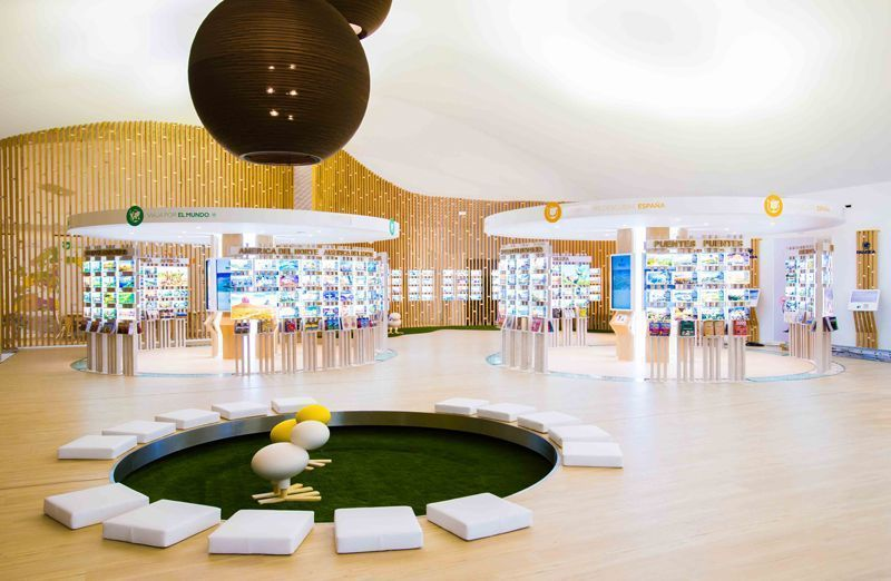 Interior de la tienda Pangea, en Madrid