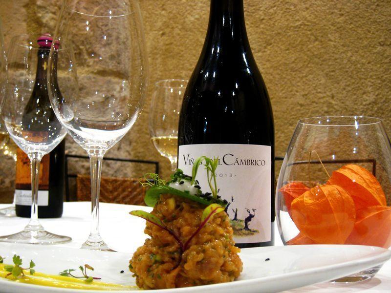 Tartar en Oroviejo, gastrobar de Héctor Carabias en Salamanca | Foto: Beatriz de Lucas Luengo