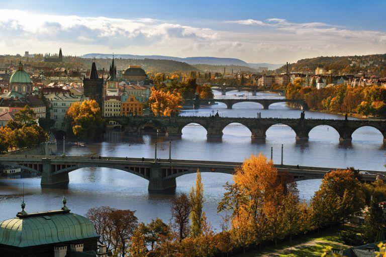 Vista de la ciudad de Praga y de sus diversos puentes | Foto: Libor Sváček para la Oficina de Turismo de República Checa