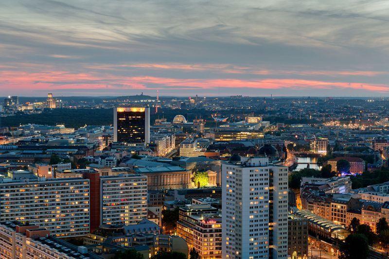 Atardecer en la ciudad de Berlín | Foto: Wolfgang Scholvien para Visit Berlin