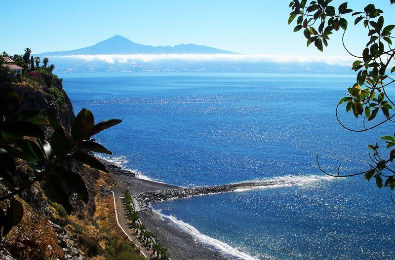 El Teide, en Tenerife, bañado por el Océano Atlántico | Foto: David Fernández