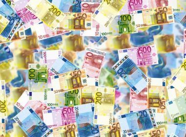 Dinero acumulado | Foto: angelolucas para Pixabay