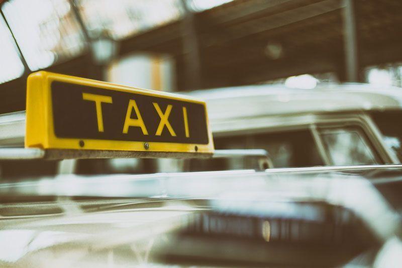 Cartel de taxi | Foto: Pixabay