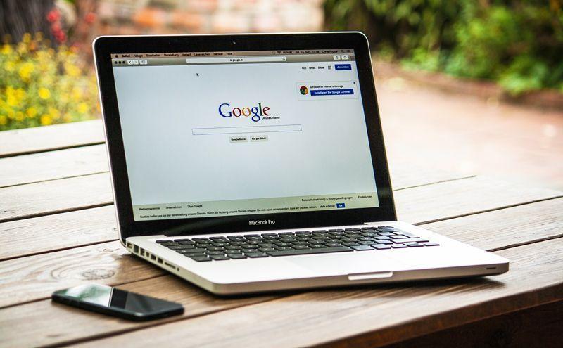 Google en un ordenador Mac | Foto: Pixabay