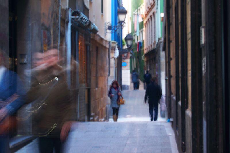 Una de las siete calles del casco antiguo de Bilbao | Foto: David Fernández