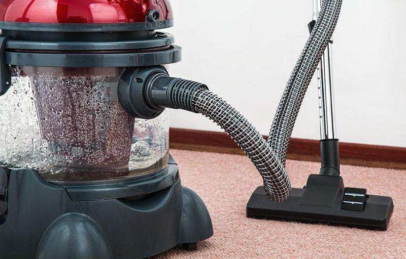 Aspirador para limpieza del hotel | Foto: stevepb para Pixabay