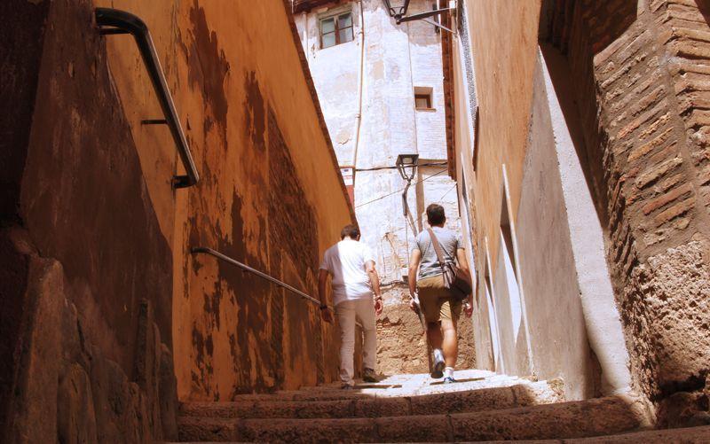 Subiendo por las calles de la judería de Tarazona | Foto: Beatriz de Lucas Luengo