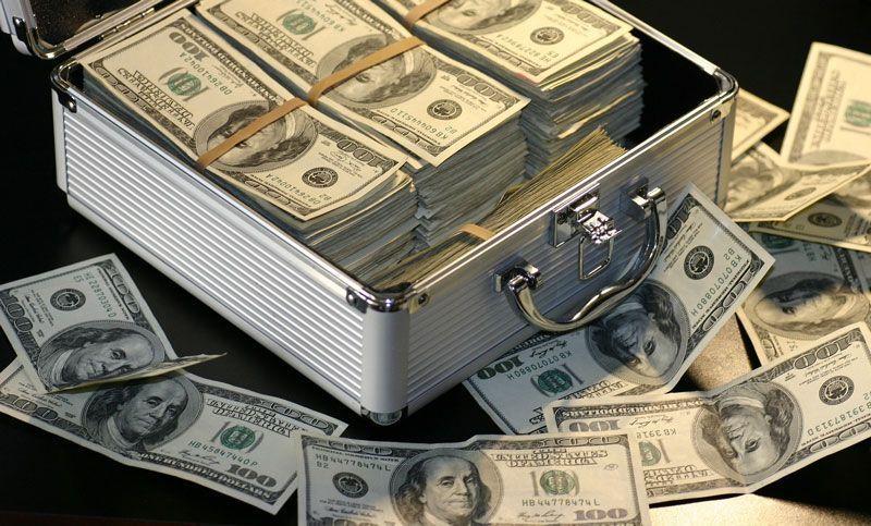 Maletín de dinero | Foto: Maklay62 para Pixabay