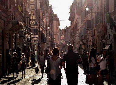 Turistas en Barcelona | Foto: Stocksnap para Pixabay