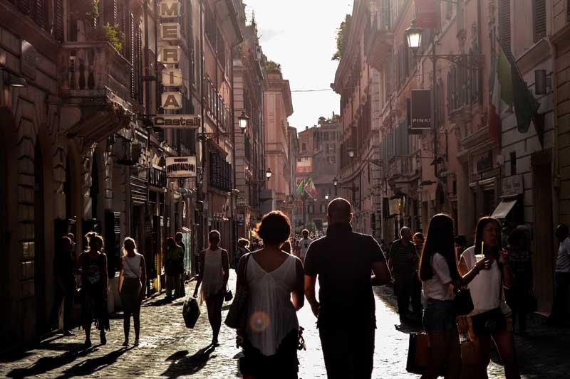 Turistas en Barcelona   Foto: Stocksnap para Pixabay